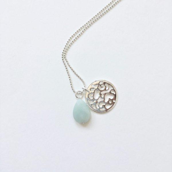 Lange ketting met edelsteen jade druppel munt zilver