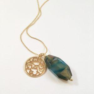 Lange ketting met groen blauwe natuursteen munt goud
