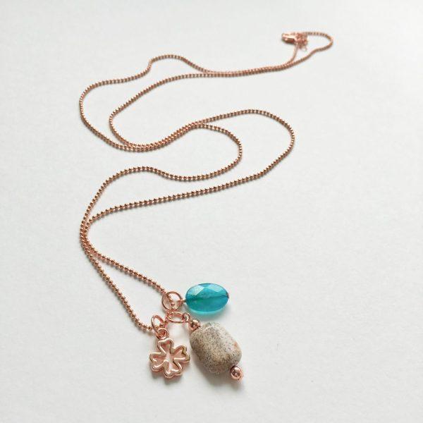 Lange ketting met jade natuursteen klavertje vier rosé goud ball chain ketting