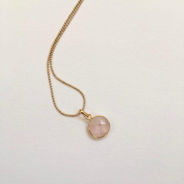 Lange ketting met rozenkwarts hanger rond 925 zilver verguld