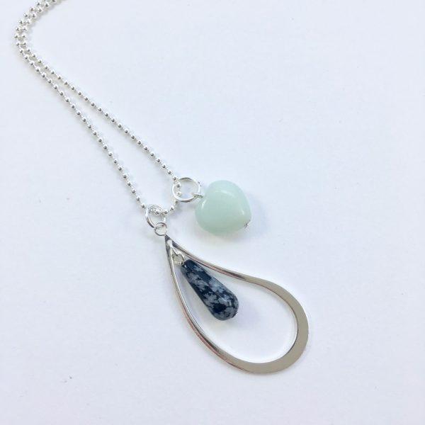 Lange ketting zilver 2 bedels natuursteen en jade hart