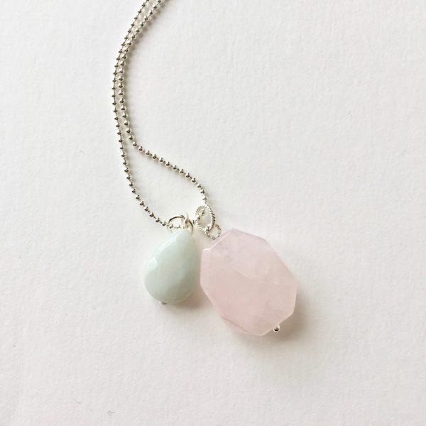 Lange ketting zilver 2 bedels rozenkwarts jade
