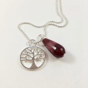 Lange ketting zilver 2 bedels tree of life rode jade