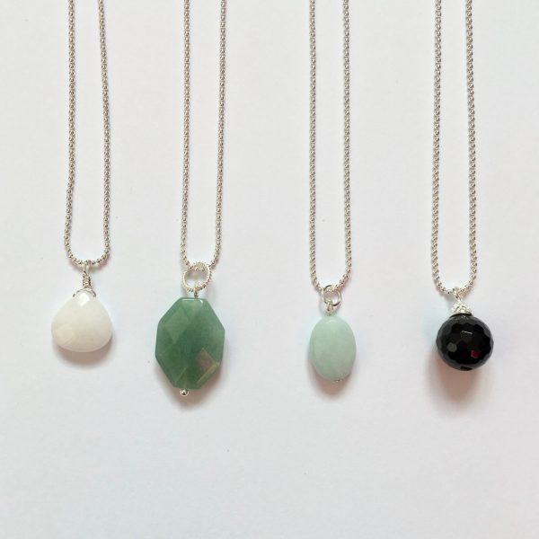Lange kettingen met edelstenen zilver