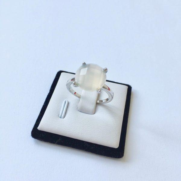 Natuursteen ring met chaton zetting zilver maat L 18 mm