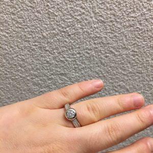 Zilveren ring met ronde zirkonia maat 57