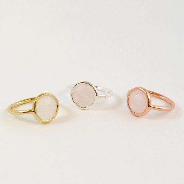 ringen met edelstenen rozenkwarts