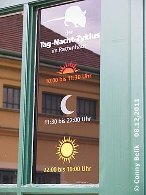 Info bez. Beleuchtung am Eingang des Rattenhauses, 8. Dezember 2011