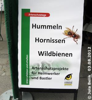 Infotafel beim Stand mit den Insektenhotels, 3. AUgust 2012