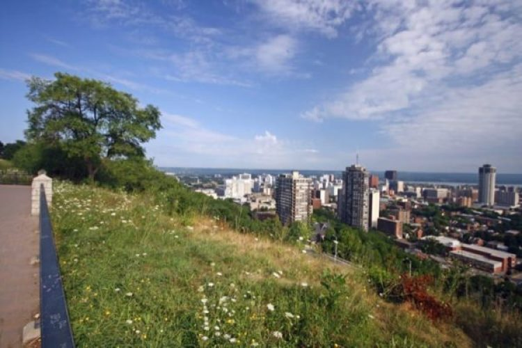 hamilton-ontario-mountain-overlook