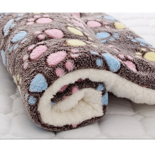 Morbido cuscino in flanella. Dim 71x54 cm
