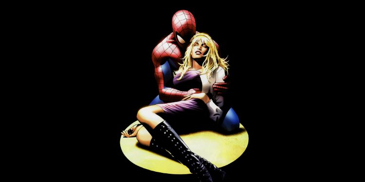 spider-man holding gwen stacy's dead body