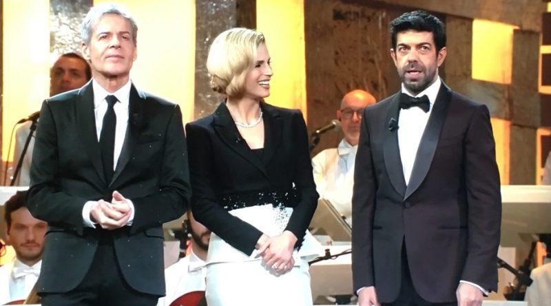"""Sanremo 68, stasera il vincitore delle """"Nuove proposte"""". I big duettano"""