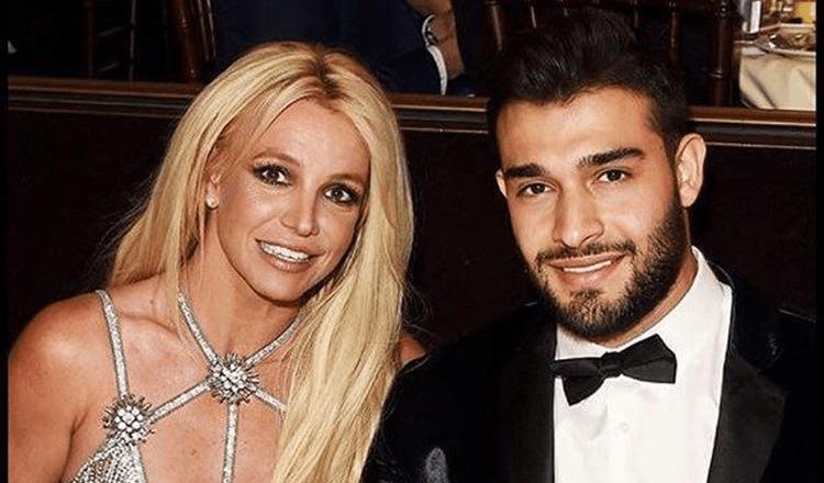 Britney Spears e il suo compagno Sam Asghari lo fanno strano! (lo sport)