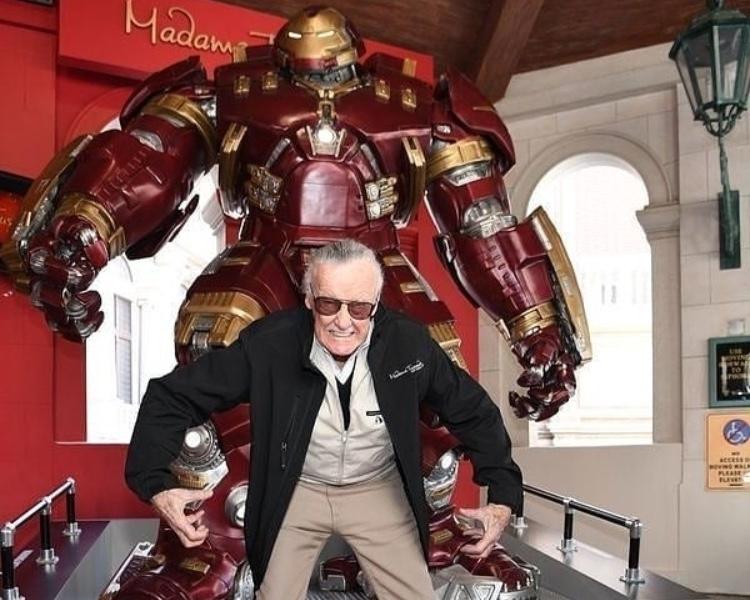 I supereroi Marvel piangono il loro papà: è morto Stan Lee