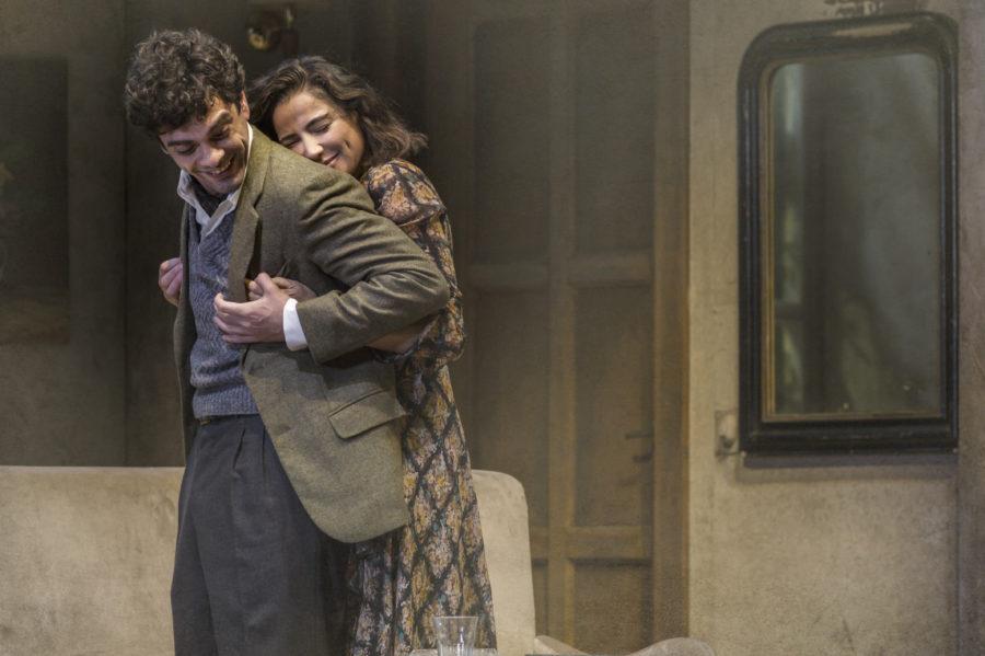 """Giovanni Anzaldo sul palco del Teatro Argentina con Luisa Ranieri in """"The Deep Blue Sea"""""""