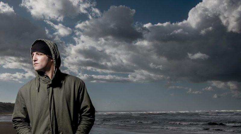 """""""La mia gente"""": il ritorno di Luca Dirisio con un brano dedicato all'Abruzzo"""