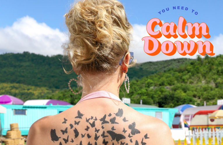 """Taylor Swift: online il video ufficiale di """"You Need To Calm Down"""""""