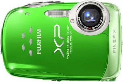 Fujifilm presenta la sua prima fotocamera robusta: FinePix XP10