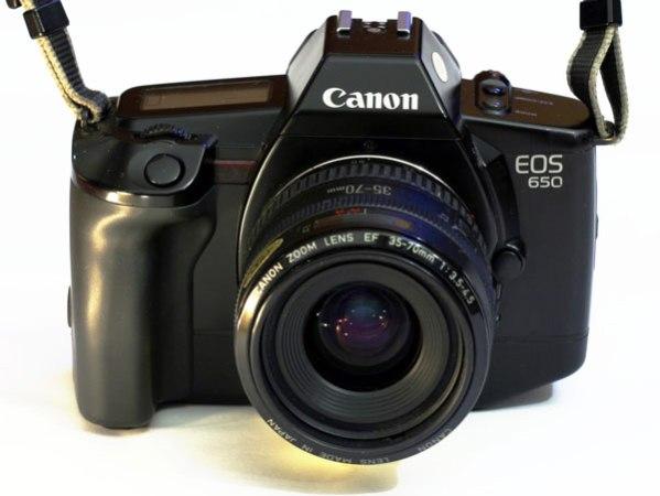 Canon celebra 40 milioni di fotocamere reflex EOS prodotte