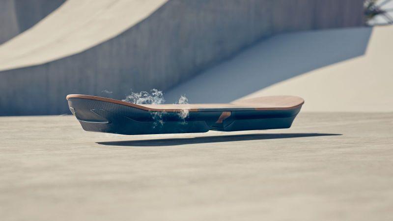 Lexus Presenta lo Skateboard a Levitazione Magnetica