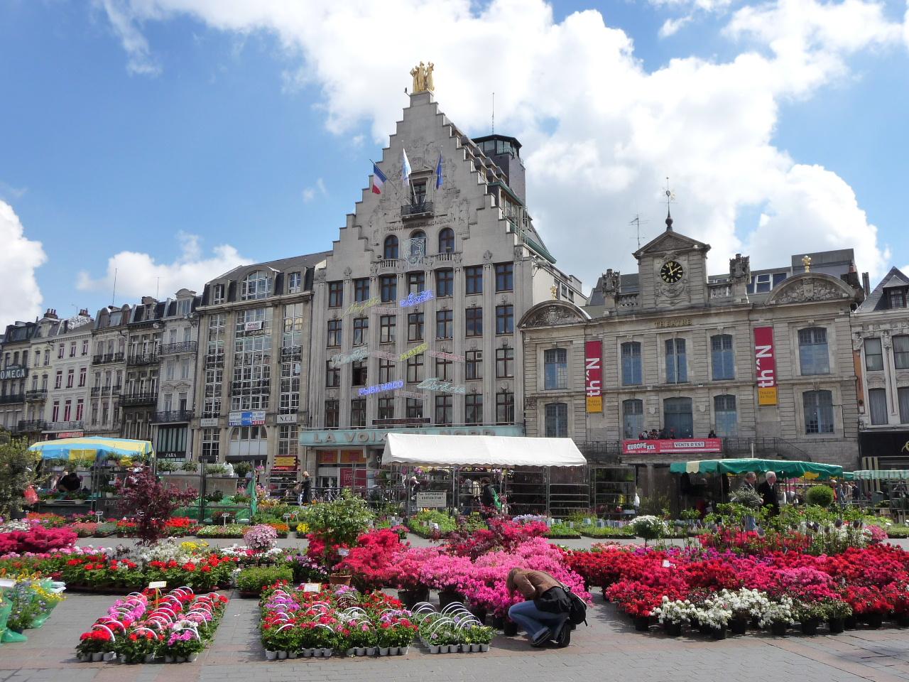 Le march aux fleurs sur la grand 39 place de lille du 24 au for Place du jardin aux fleurs