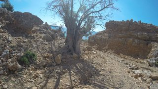 00 Walking-on-the-E4-in-Crete-sfakia-to-agia-roumeli