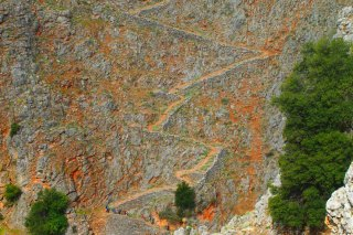 Walking-on-the-E4-in-Crete-Sfakion-from-paleochora