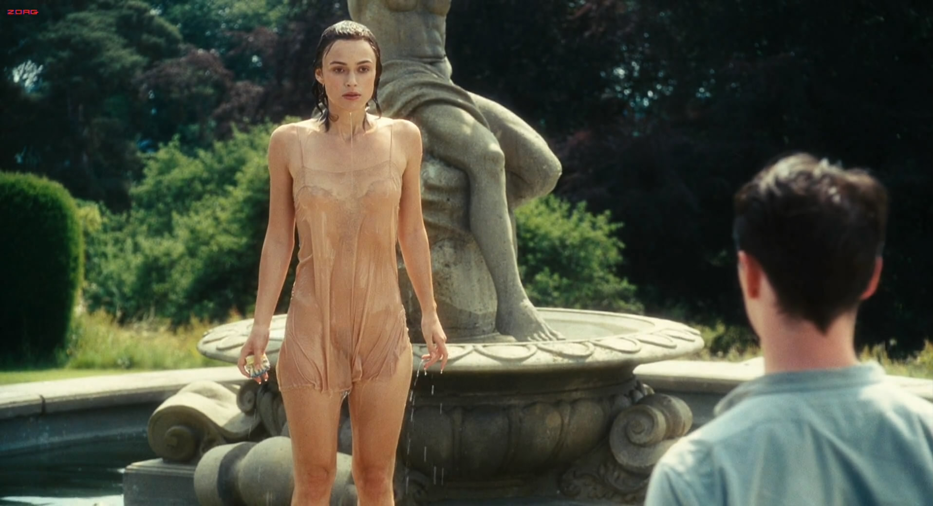 Keira Knightley cute and sexy pokies in Atonement