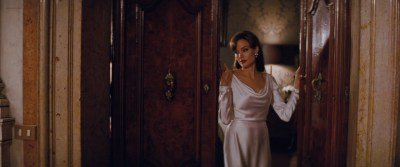 Angelina Jolie hot, sexy and see through - The Tourist (2010) hd1080p (7)