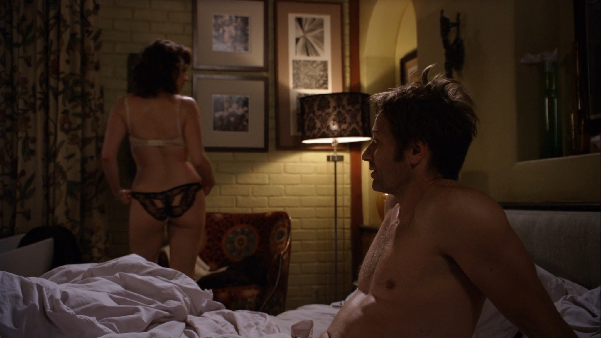 Carla Gugino hot lingerie Californication (2011) s4e7 HD 1080p (4)