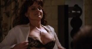 Carla Gugino hot lingerie Californication (2011) s4e7 HD 1080p (2)