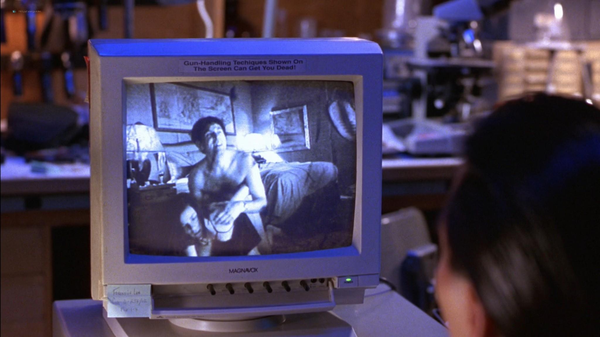 Linda Fiorentino nude Angie Everhart nude full frontal - Jade (1995) HD 1080p BluRay (14)
