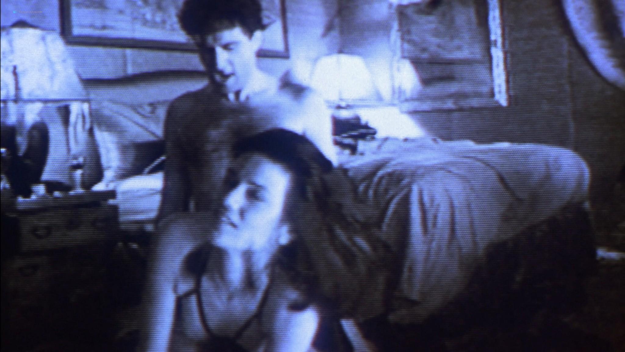 Linda Fiorentino nude Angie Everhart nude full frontal - Jade (1995) HD 1080p BluRay (13)