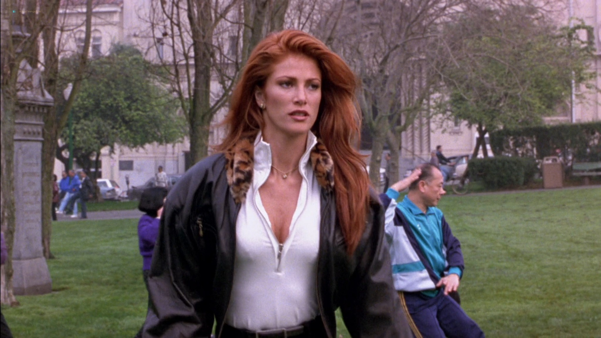 Linda Fiorentino nude Angie Everhart nude full frontal - Jade (1995) HD 1080p BluRay (12)