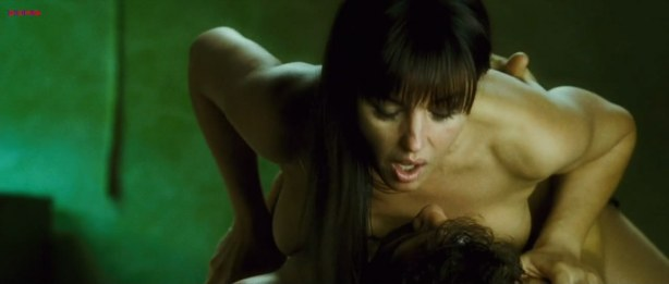 Monica Bellucci nude and sex - Shoot Em Up hd720p