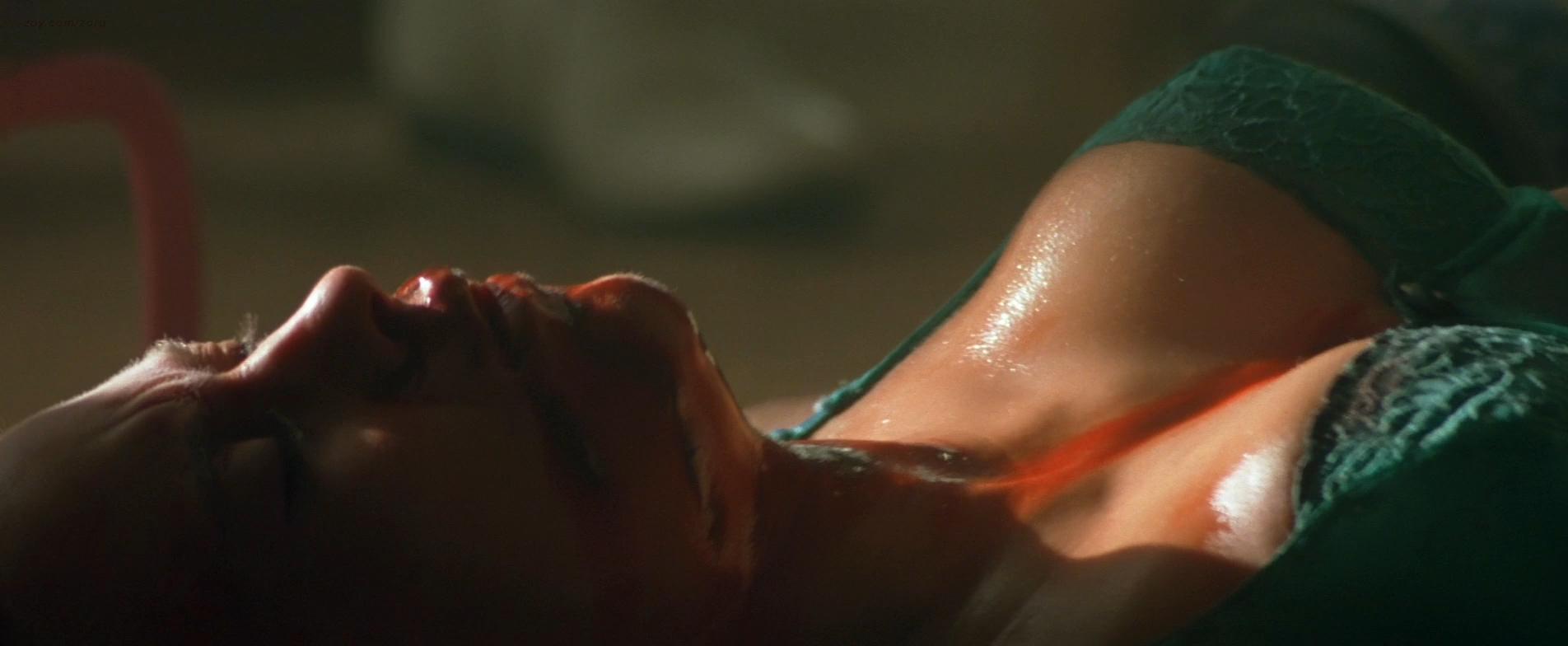 Patricia Arquette nude busty and sexy - True Romance (1993) hd1080p (1)