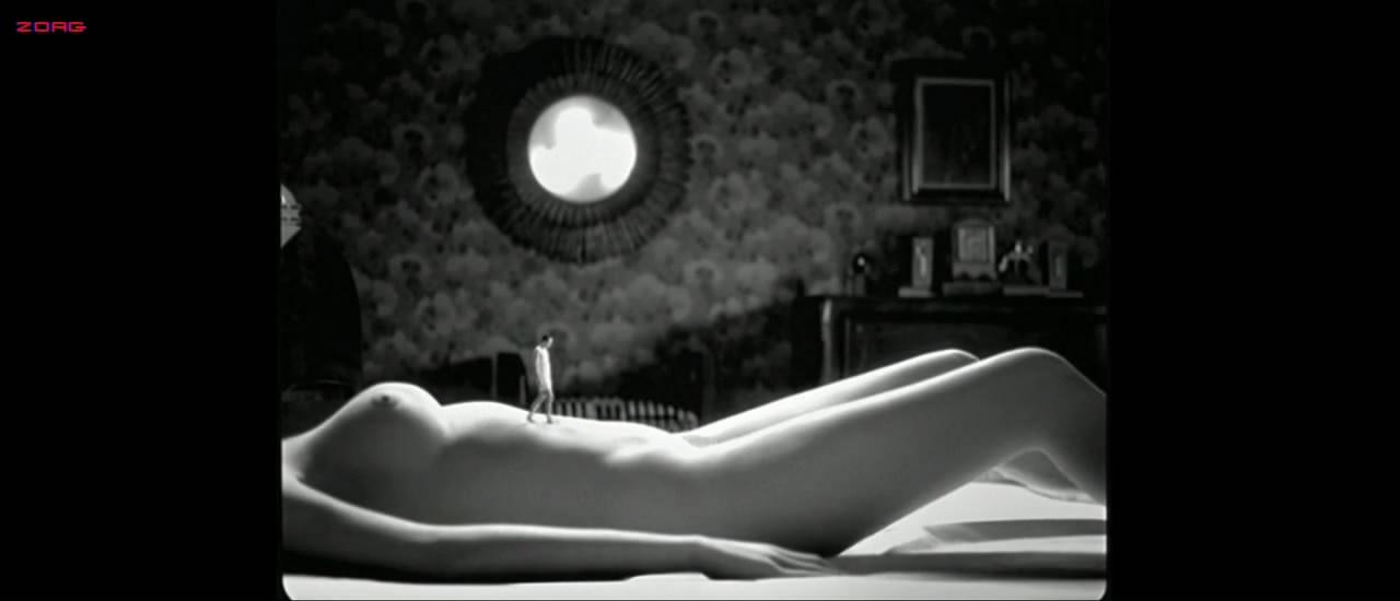 Paz Vega nude explicit labia shot but body double probably - Hable con ella (2002) HD720p