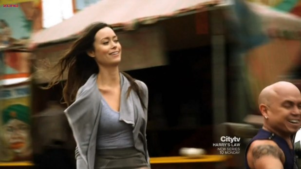 Summer Glau hot and sexy - The Cape (2011) s1E3 hd720p