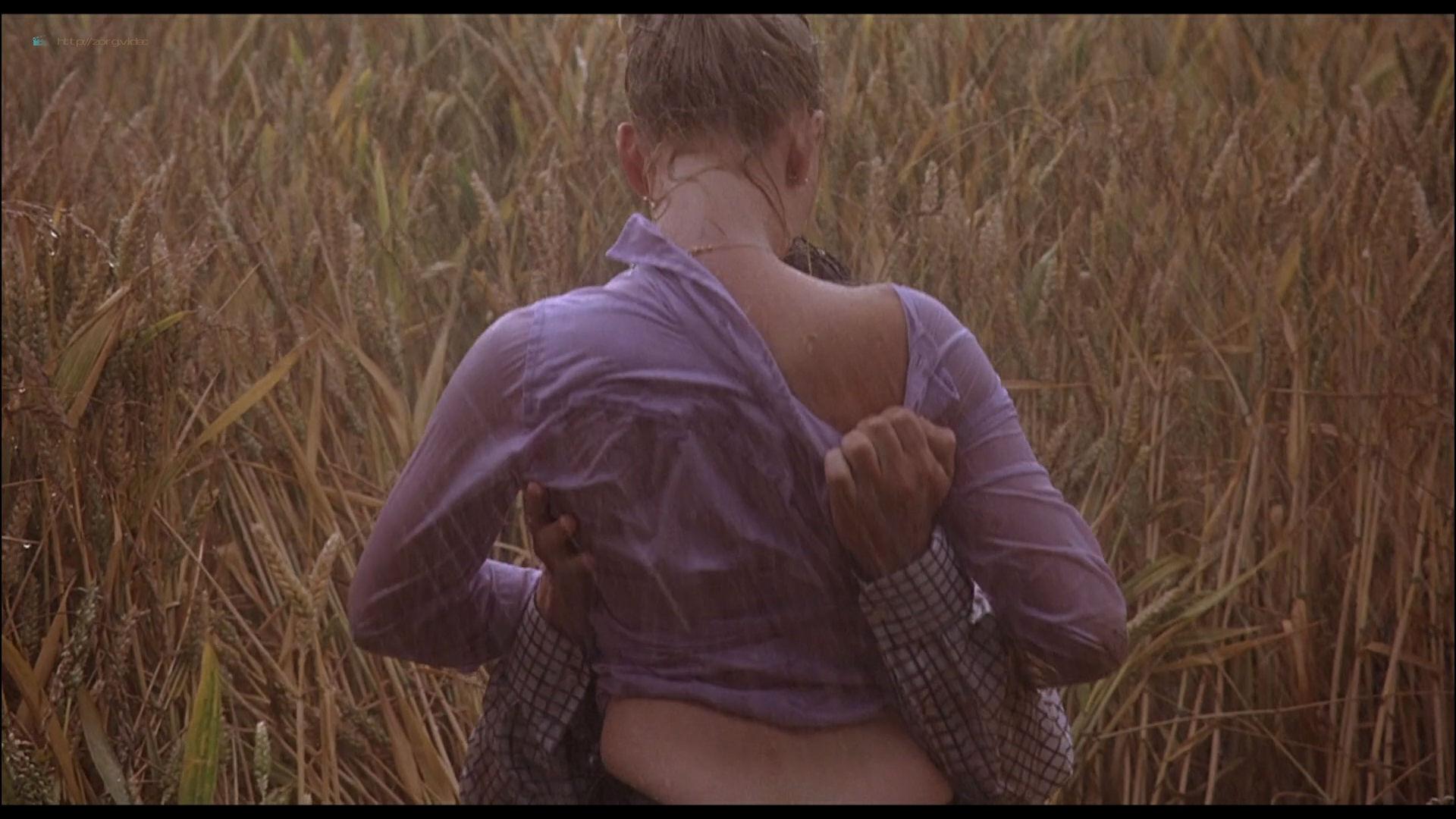 Scarlett Johansson see through and sex - Match Point (2005) HD 1080p BluRay (10)