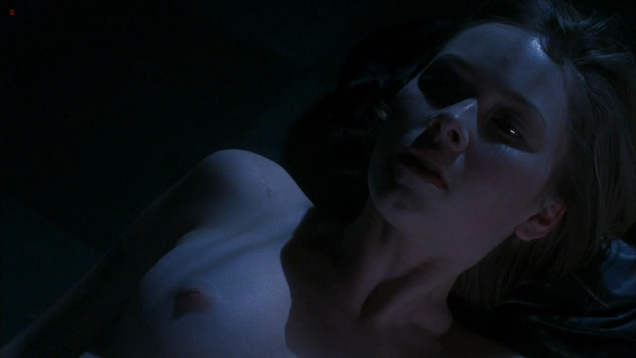 Cherilyn Wilson naked topless - Parasomnia (2008) HD 1080p (13)