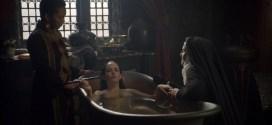 Eva Green nude in the bath - Camelot (2011) s1e9 hd720p (2)