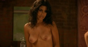 Christina Ferraro nude topless and Rachel Germaine nude topless too - Weeds (2011) s7e5 hd720p