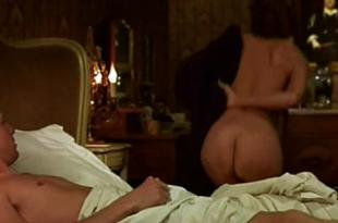 Diane Kruger nude butt and side boob – Mon idole (2002)