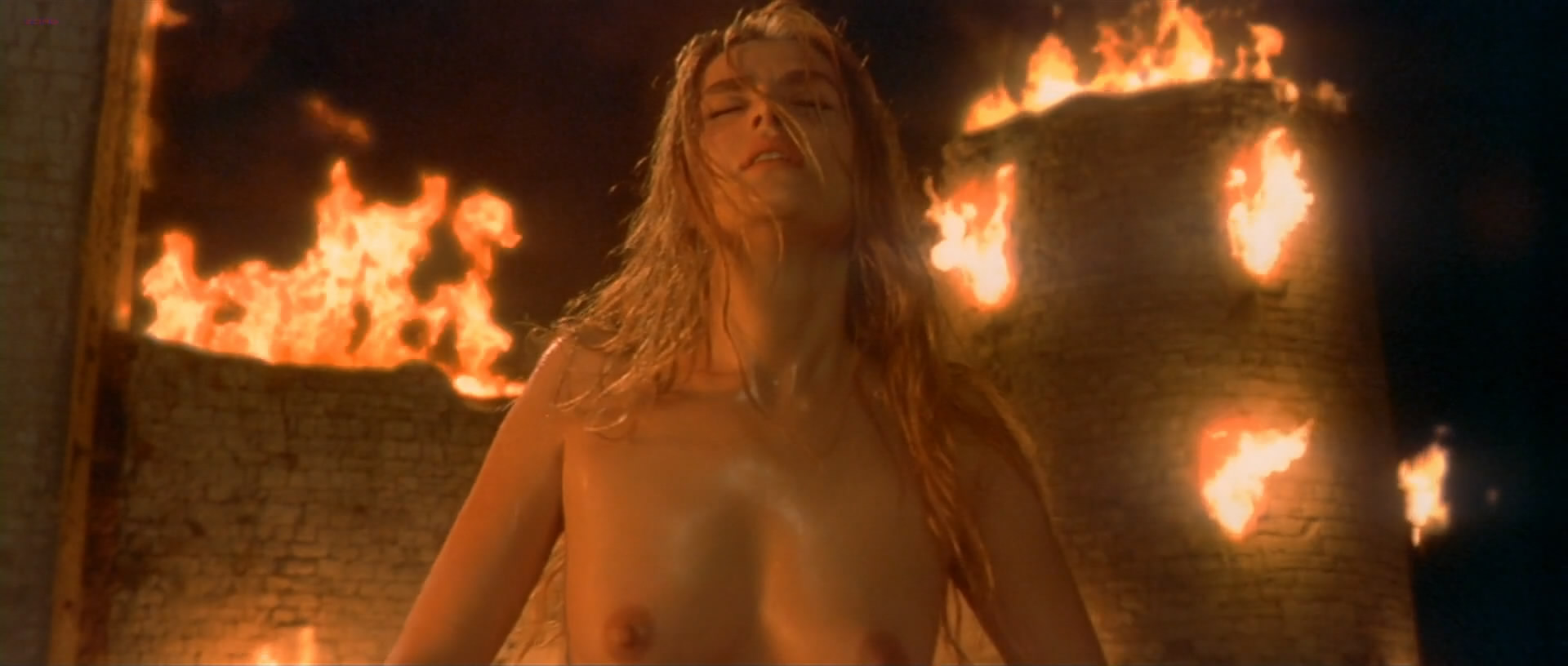 """Emmanuelle Seigner nude topless in """"The Ninth Gate"""" (1999) hd1080p"""