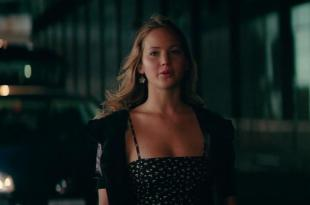Jennifer Lawrence hot and sexy cleavage – The Beaver (2011) hd720p