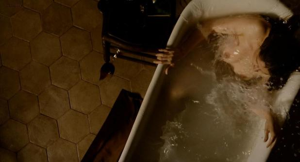 Laetitia Casta nude topless in the bath from - Derriere les murs (2011) hd720p