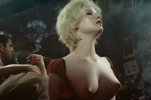 Jennifer Jason Leigh nude hot sex and Maia Danziger nude – Last Exit to Brooklyn (1989) hd720p
