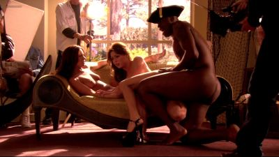 Jessica James and Kristen Price full frontal nude, Mary-Louise Parker butt naked in - Weeds s03e07 hd1080p (13)