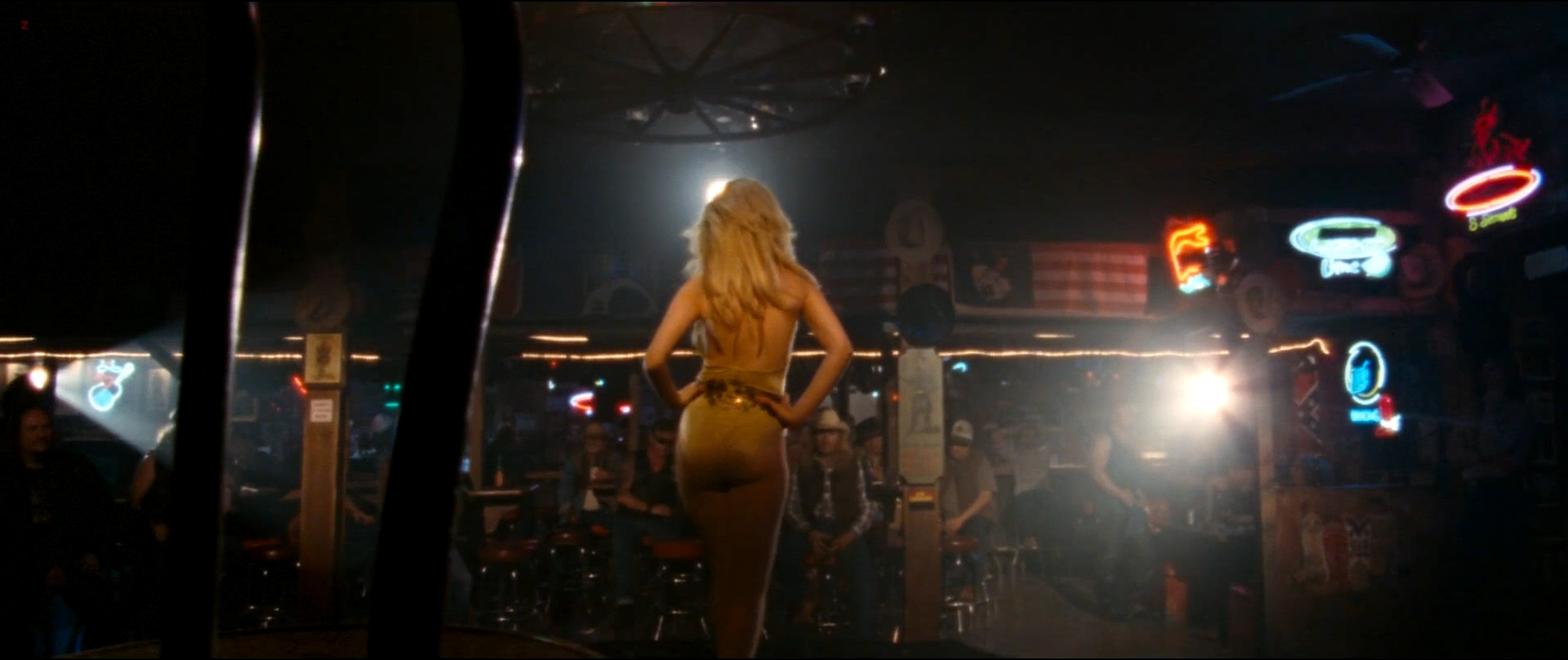 Juno Temple hot and sexy as stripper - Dirty Girl (2010) hd1080p (10)